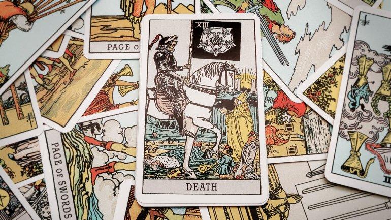 Martes 13 - Tarot - Image