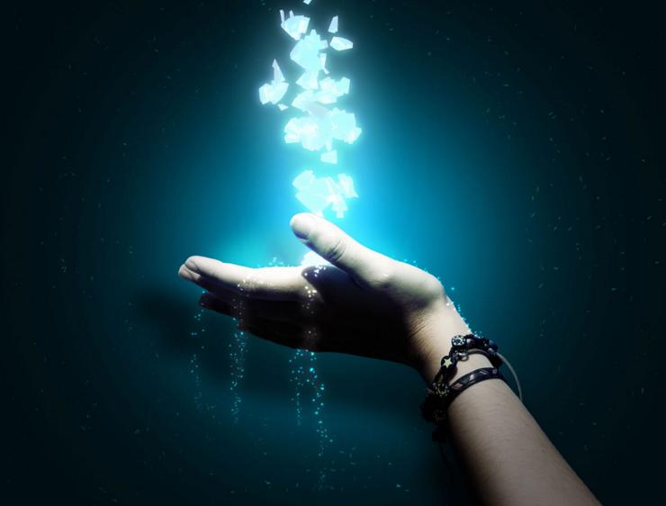 Imagen de mano simbolica de como activar el poder de la ley de atraccion -