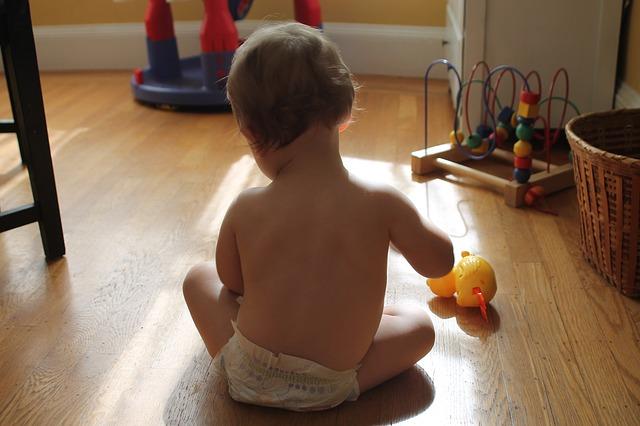 imagen de bebe enfocado en cualidades espirituales de crecimiento - image